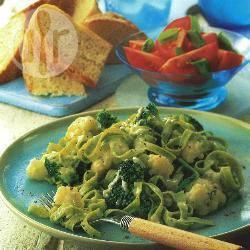 Tagliatelle met broccoli, bloemkool en blauwschimmelkaas recept ...