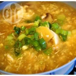 Szechuan-stijl 'hot and sour' kippensoep recept