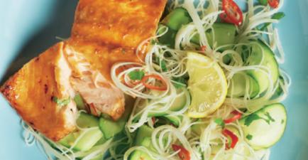 Sticky zalm met miehoensalade recept