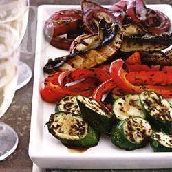 Gegrilde courgette, paprika, paddestoelen en ui met balsamicoazijn ...
