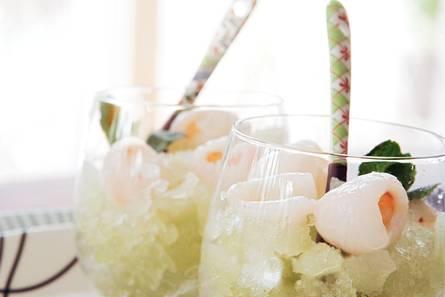 Granita van groene thee met lychee