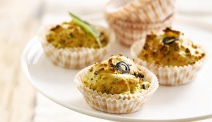 Aardappelcupcakes met zwarte olijven en salie recept