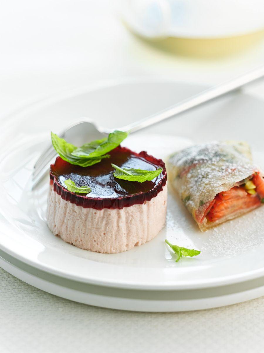 Recept 'bavarois van aardbeien en loempia van aardbeien'
