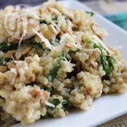 Quinoapilaf met spinazie en kaas recept