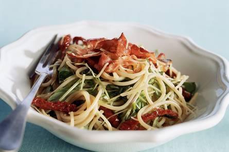 Pasta met zongedroogde tomaat