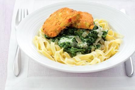 Groenteschijf met spinazie in roomsaus