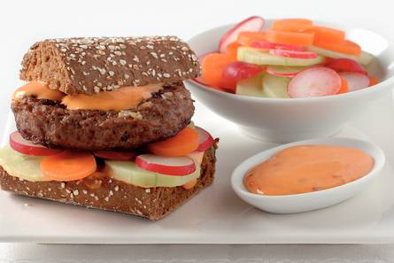 Franse hamburgers met rauwkost