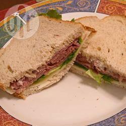 Rosbief en rucola sandwich recept