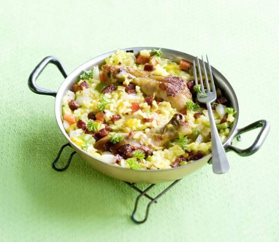 Paella met kip, chorizo en paprika recept
