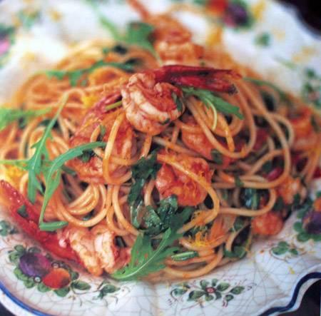 spaghetti met garnalen en rucola recept | smulweb.nl