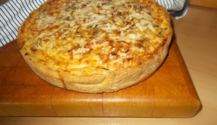 Heerlijke hartige taart met prei gehakt champignons en roomkaas ...