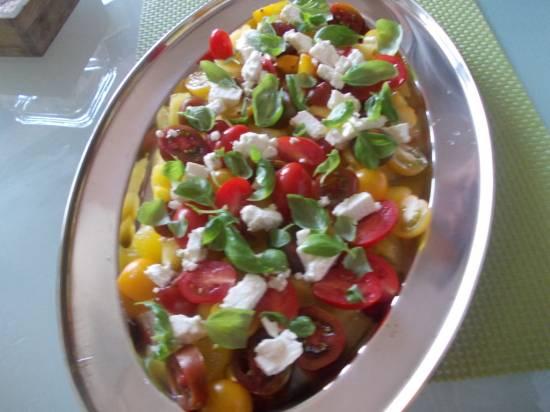 Zomersalade van tomaten, watermeloen en feta recept