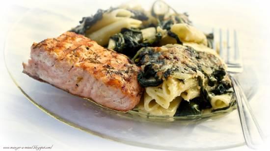 Pasta met spinazie & gegrilde zalmfilet recept