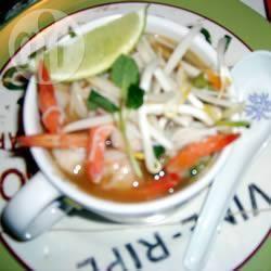 Vietnamese rijstnoedels met garnalen recept
