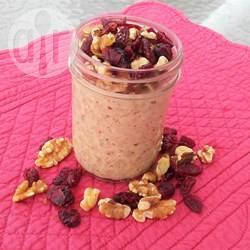 Overnight oats met pindakaas, walnoten en cranberry's recept ...