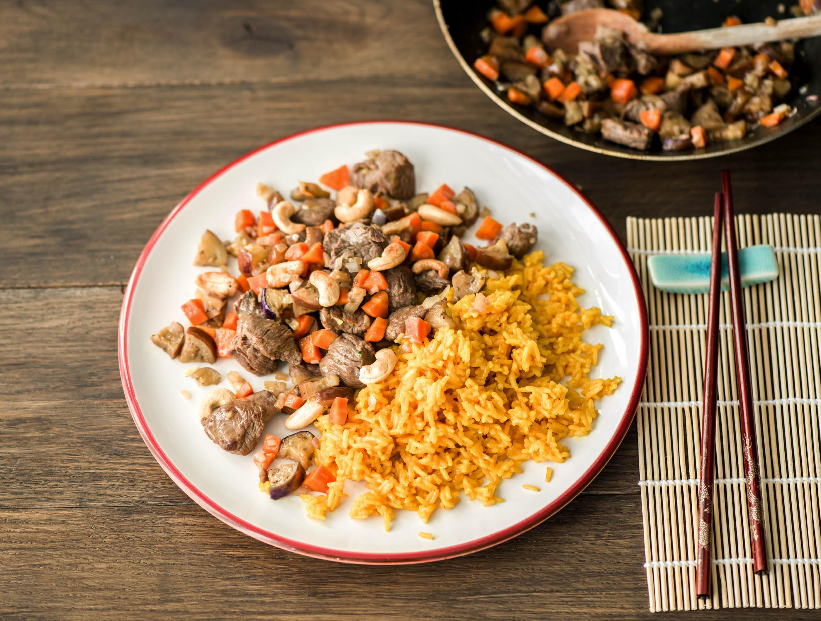 Biefstukpuntjes met paarse aubergine en surinaamse rijst recept ...