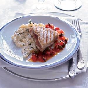 Gegrilde tonijn antiboise met witte bonen-puree recept