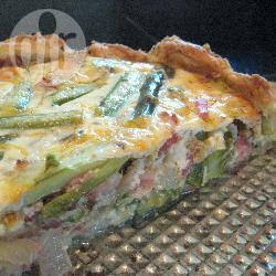 Hartige taart met asperges, spek en ui recept
