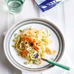 Spaghetti met venkel en gerookte zalm recept