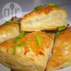 Bladerdeeghapjes met feta recept