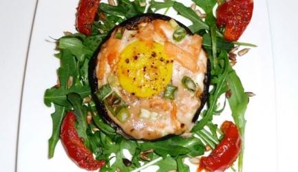Portobello gevuld met ei en zalm (paastip) recept