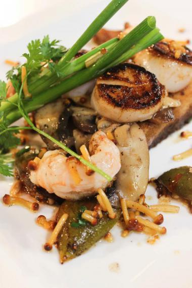 Recept 'toast champignon met zeevruchten'