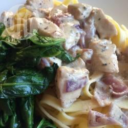 Pasta met kip, boursin en spinazie recept