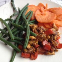 Kip curry met boontjes en zoete aardappel recept
