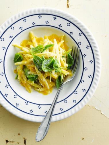 Recept 'pasta met spinazie en pompoensaus'