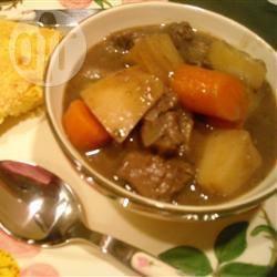 Runderstoofpotje met wortels en aardappelen recept