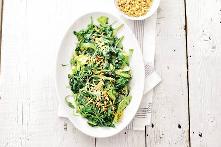 Gebakken rucola, sla en spinazie