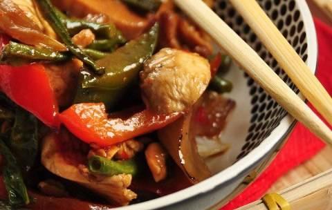 Pittige kipfilet met roerbak-sperzieboontjes recept