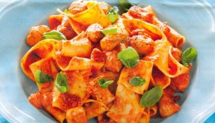 Pappardelle met kip in tomaat-mascarponesaus recept