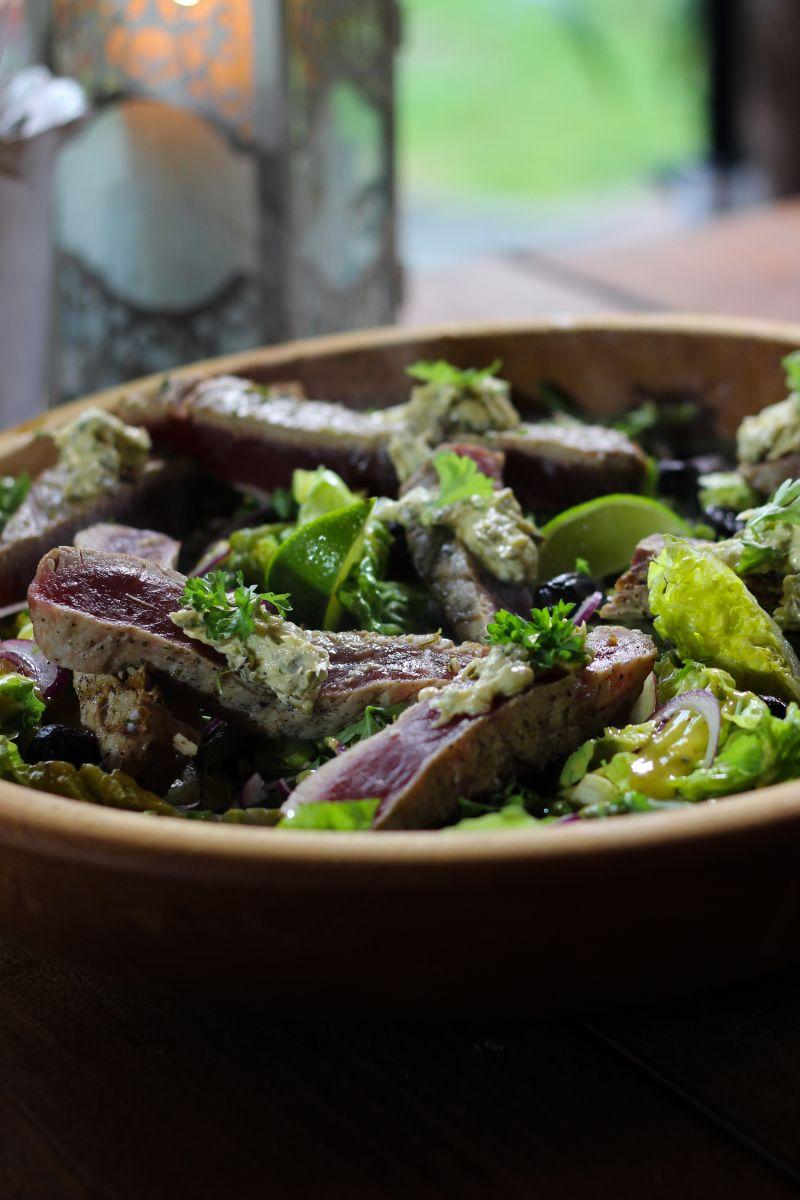 Recept 'salade niçoise met gegrilde tonijn met kruidenboter '