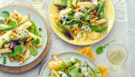 Pastasalade met peer, gorgonzola en walnoten recept ...