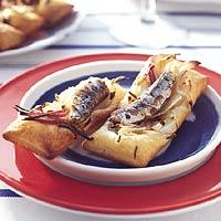 Bladerdeegtaartjes met venkel en sardine recept