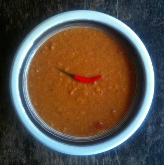 Kruidige rode linzensoep met tomaat recept