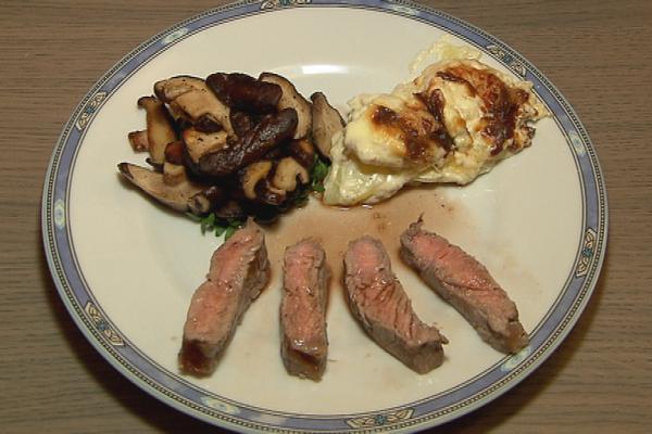 Entrecôte bordelaise met shiitake en gratin dauphinois