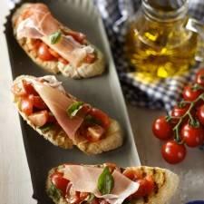 Bruschetta met tomaat,basilicum en parmaham recept