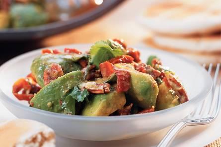 Avocadosalade met pecannoten