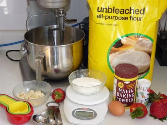 Aardbeien streusel cake recept