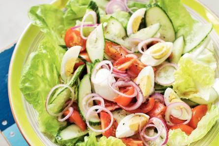 Hollandse salade met ei en tomaat
