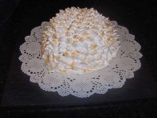 Trifle van cake, vanillevla, kersen en merinque recept