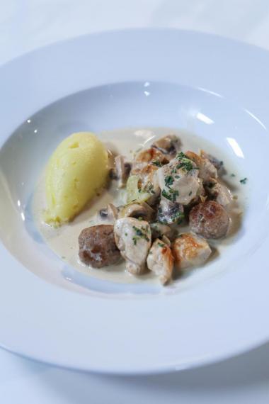 Recept 'kip met balletjes, champignons en polderpuree'