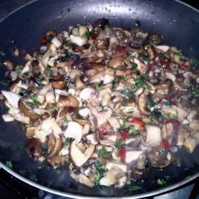 Antipasti van champignon en paddenstoelenmelange recept ...