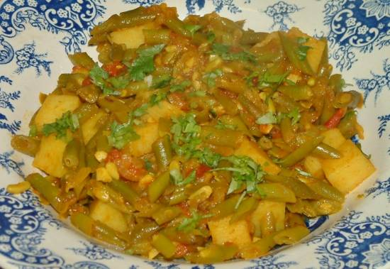 Indiase kerrie sperziebonen met aardappelen en tomaat recept ...