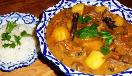 Thaise massaman rundvlees curry recept