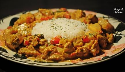 Romig kipkerrie stoofpotje met ananas kerriesaus en rijst recept ...