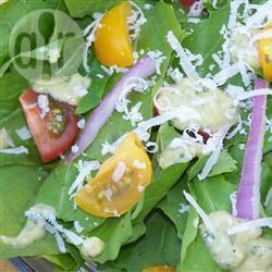Verfijnde rucolasalade met avocado