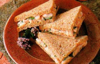 Sandwich met garnalen-tomaten-mayonaise recept